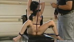American bondage babe CC Jolies electro bdsm in extreme pain